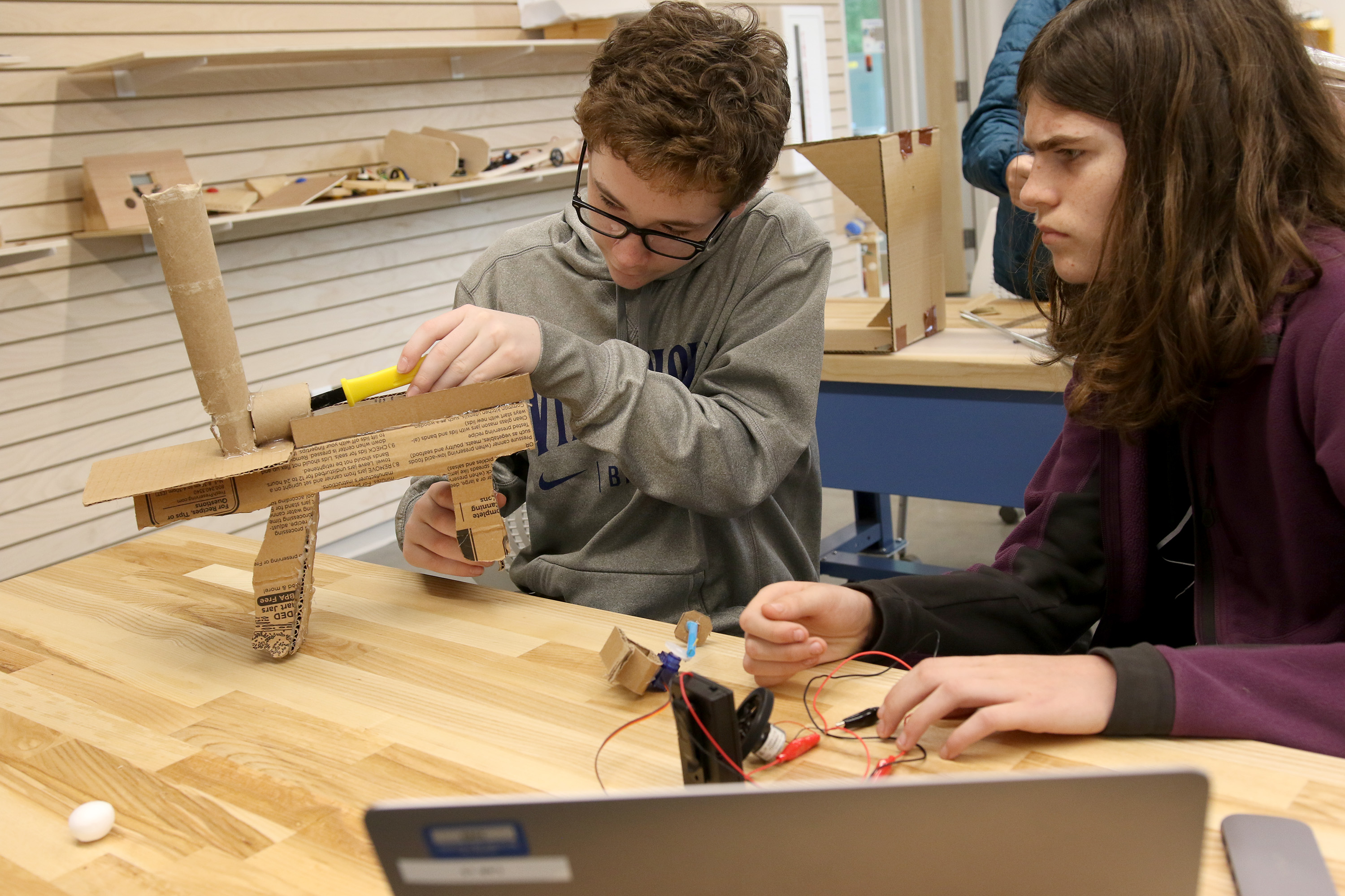 Two students collaborate in the innovation studio