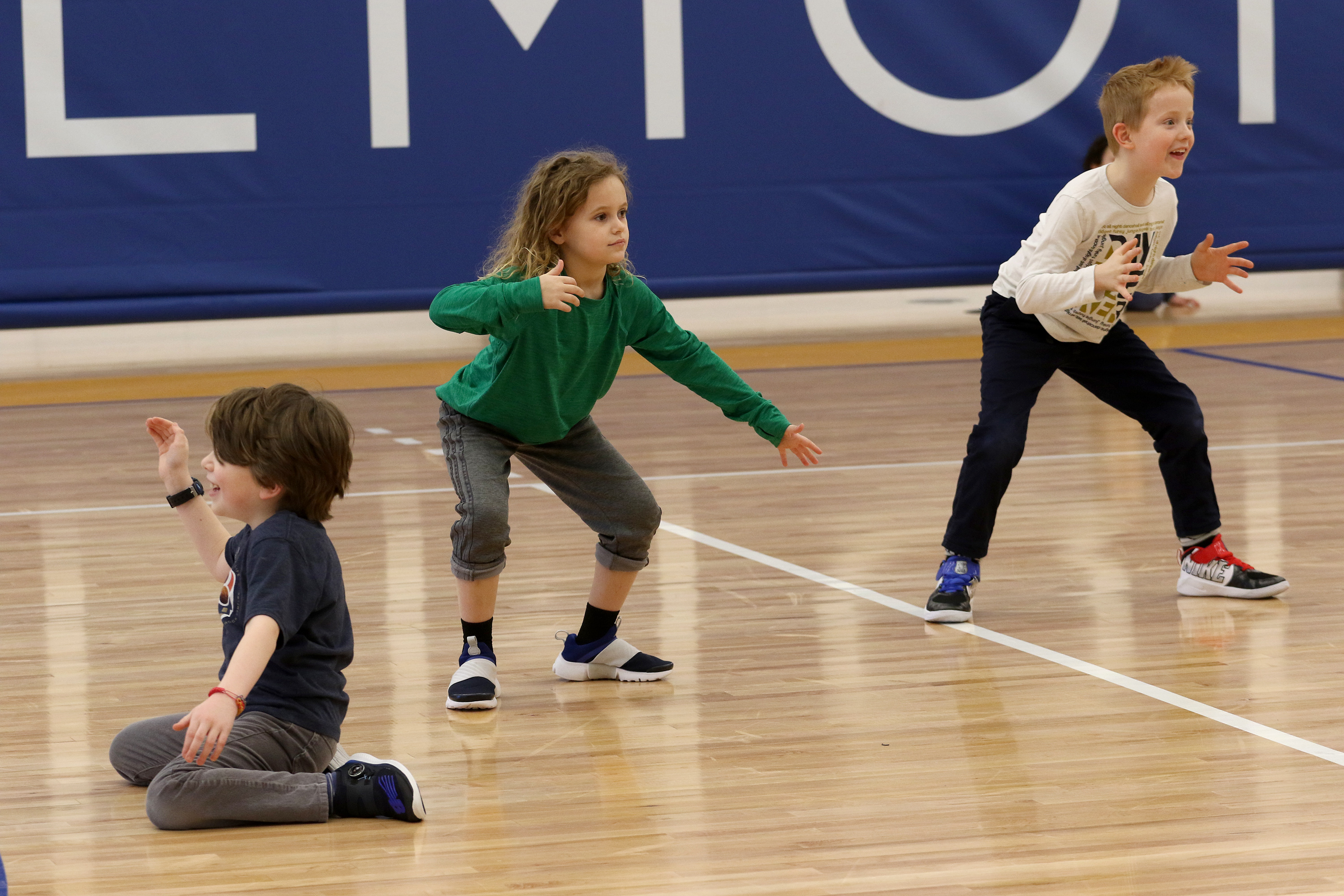 """Students play """"Museum"""" in physical education class"""